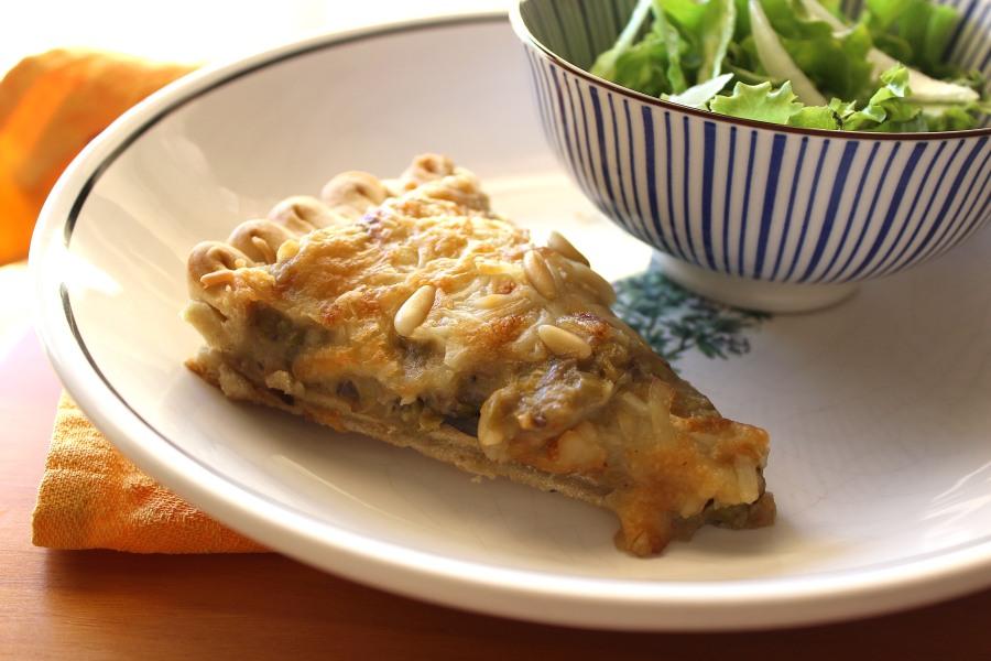 Tarte de Cogumelos com Queijo e Pinhões | Mushroom Pie with Cheese & PineNuts